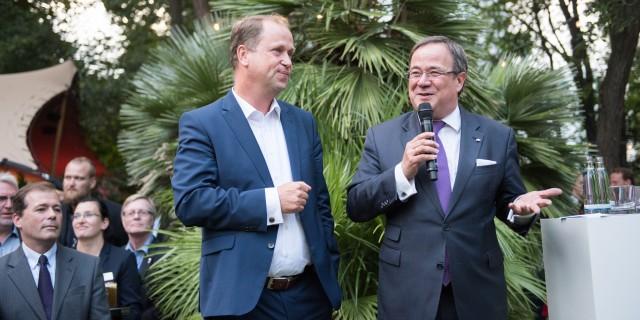 Minister präsident Laschet und der stellvertretende Ministerpräsident Stamp eröffenen das NRW-Fest 2017 in Berlin
