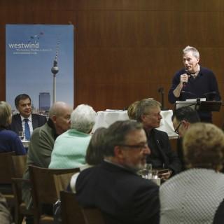 Manfred Eisner beim Vortrag