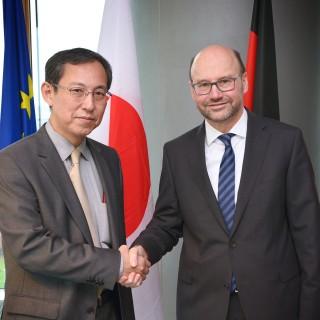 Minister Lersch-Mense begrüßt neuen Japanischen Generalkonsul