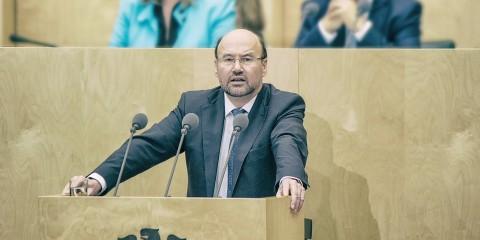 Minister Franz-Josef Mersch-Mense am 06.11.2015 im Bundesrat