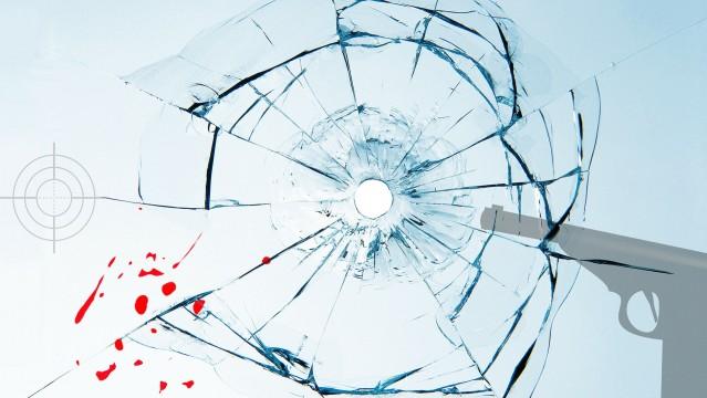 Schuss Glas