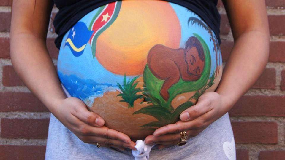 Bauch schwanger bodypaint