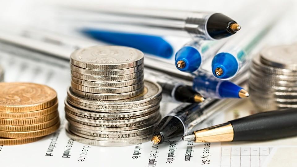 Geld Stifte Papier