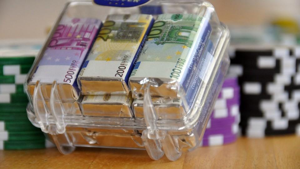 Geld Schokolade Koffer Makro