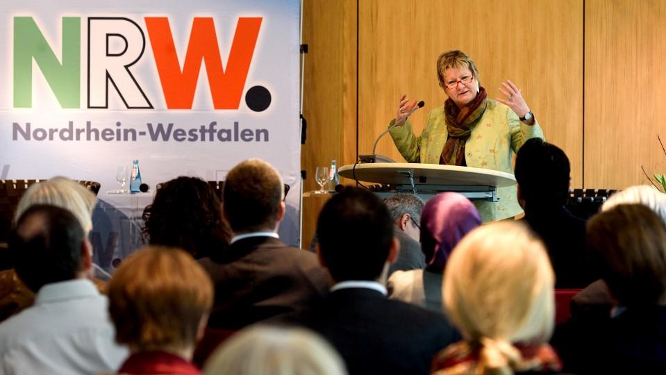 Ministerin Sylvia Löhrmann am 22.10.2015 in der NRW-Landesvertretung in Berlin