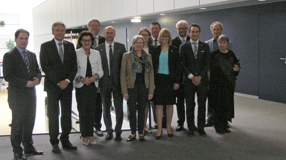 Europaminister Im Gespr Ch Mit Euregios In Aachen Bund